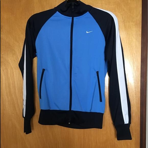 Ladies Nike track jacket - size Medium. M 5ab1d47472ea88c081223f78 f02e5b37a